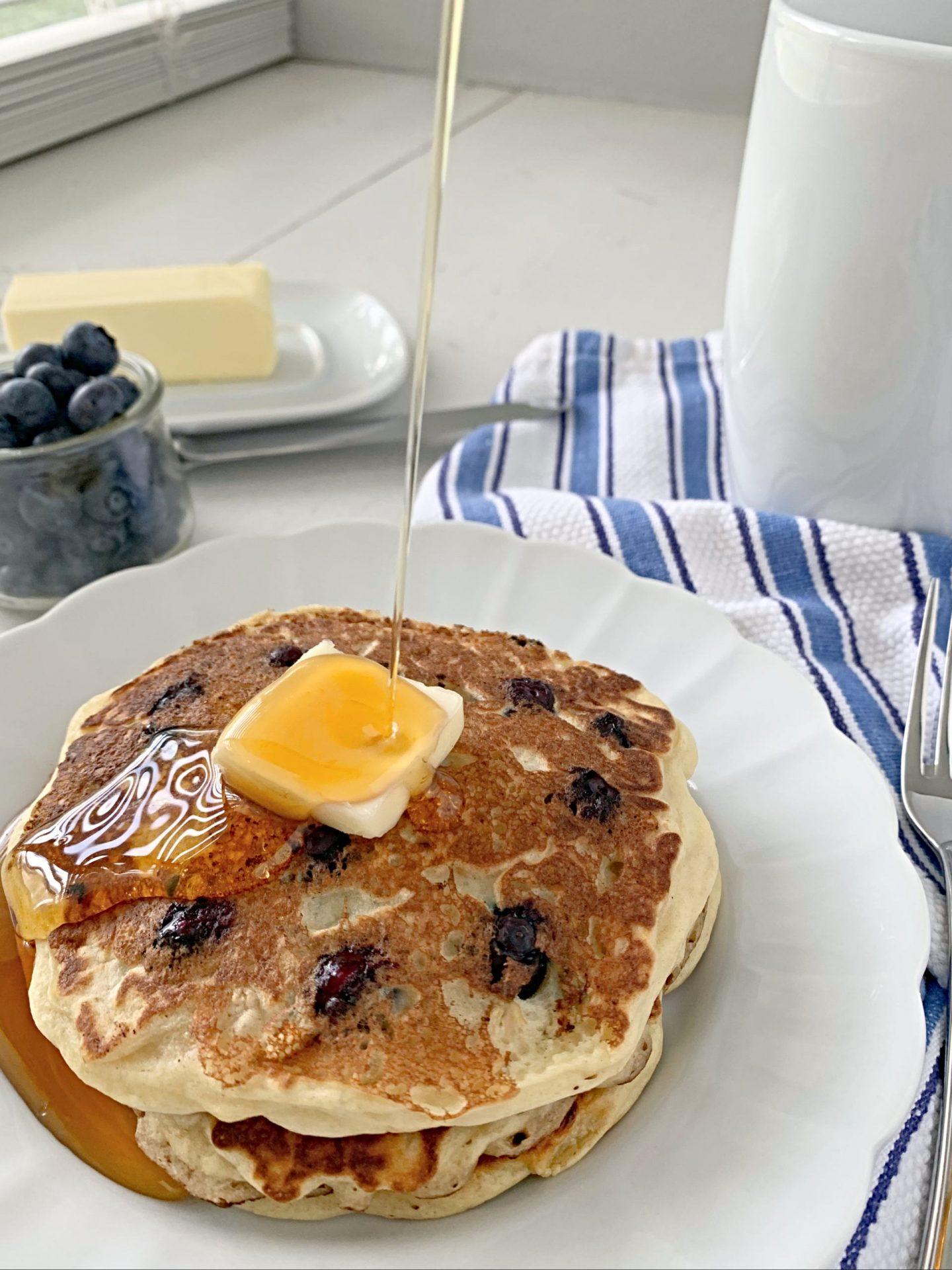 blueberry buttermilk oat pancakes